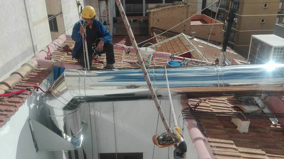 Altur trabajos verticales alicante frimaval altur - Trabajos verticales en alicante ...
